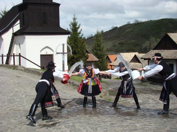 Hollokó_húsvét