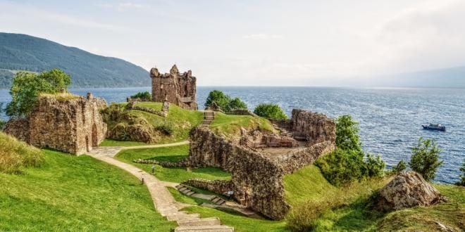 Skócia urquhart_castle