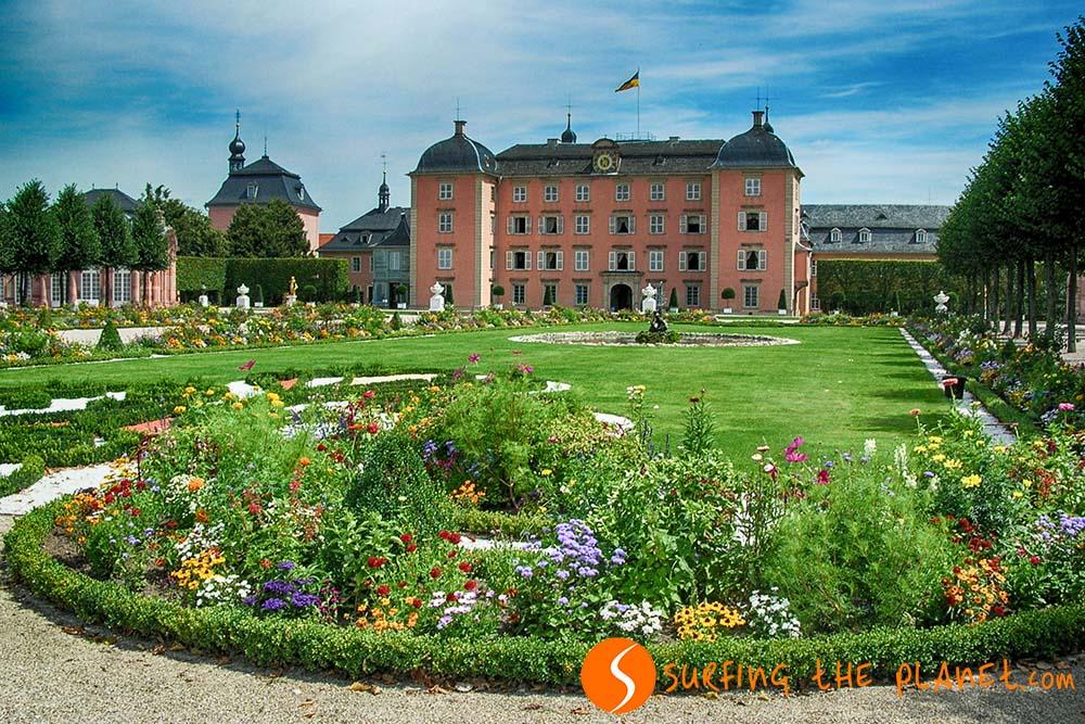 A Wittelsbach-ház egykori nyári rezidenciája gyönyörű kerttel.