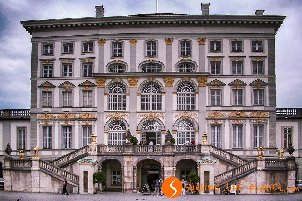 A bajor uralkodók egyik korabeli, barokk stílusú rezidenciája.