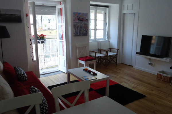 Airbnb_Bica Tram Apartment
