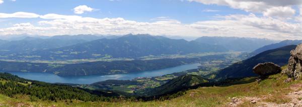 Ilyen kilátás nyílik a Millstatti tóra a gránátkapuból