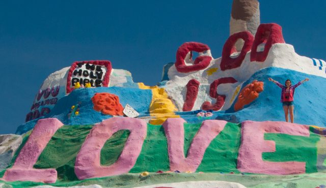 salvation mountain_03