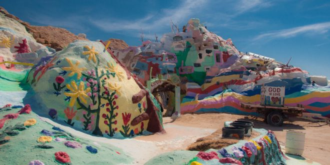 salvation mountain_11