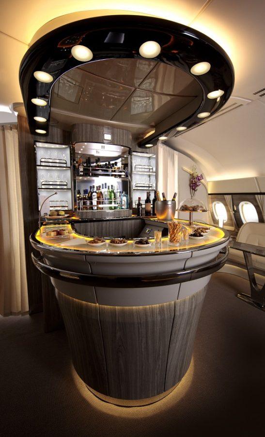 emirates_a380_fedelzeti_lounge
