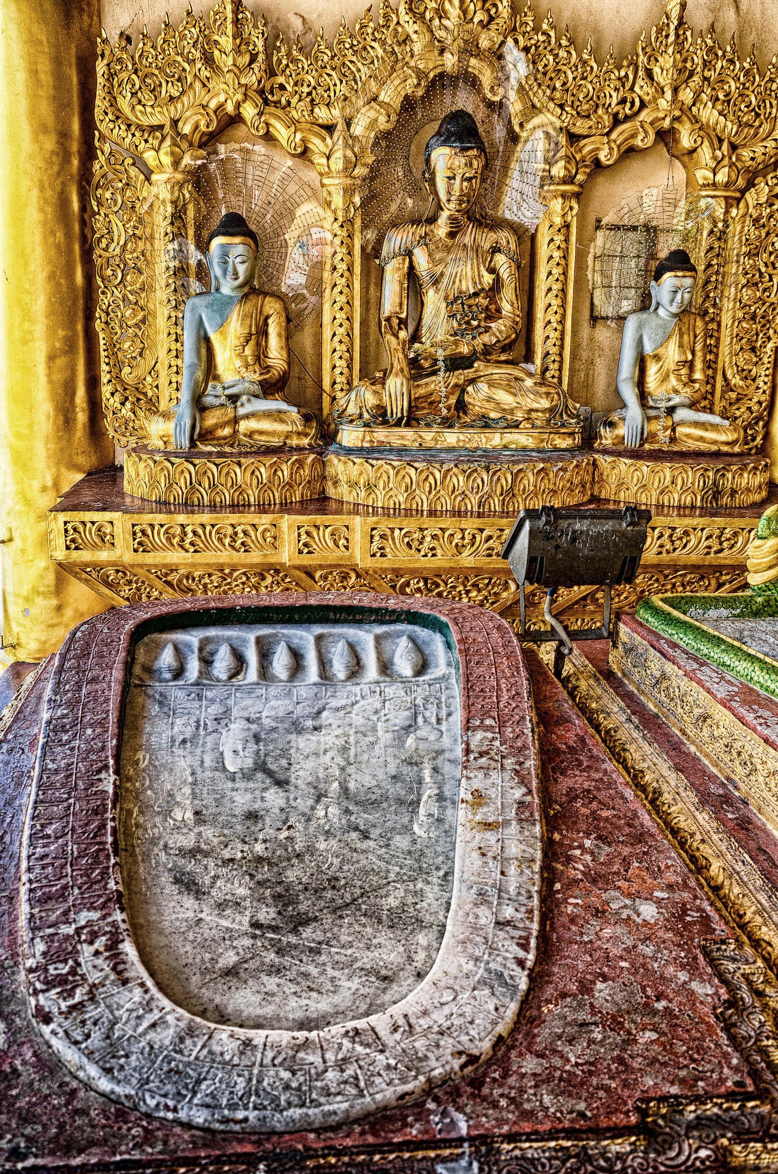 Buddha lábnyoma a Sve Dagon-pagodában