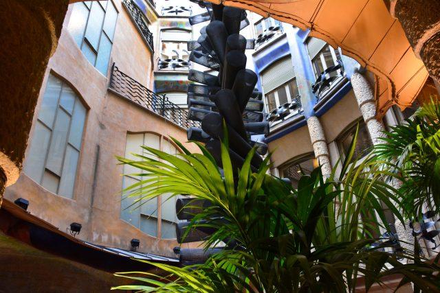 casa_mila_la_pedrera_barcelona_41