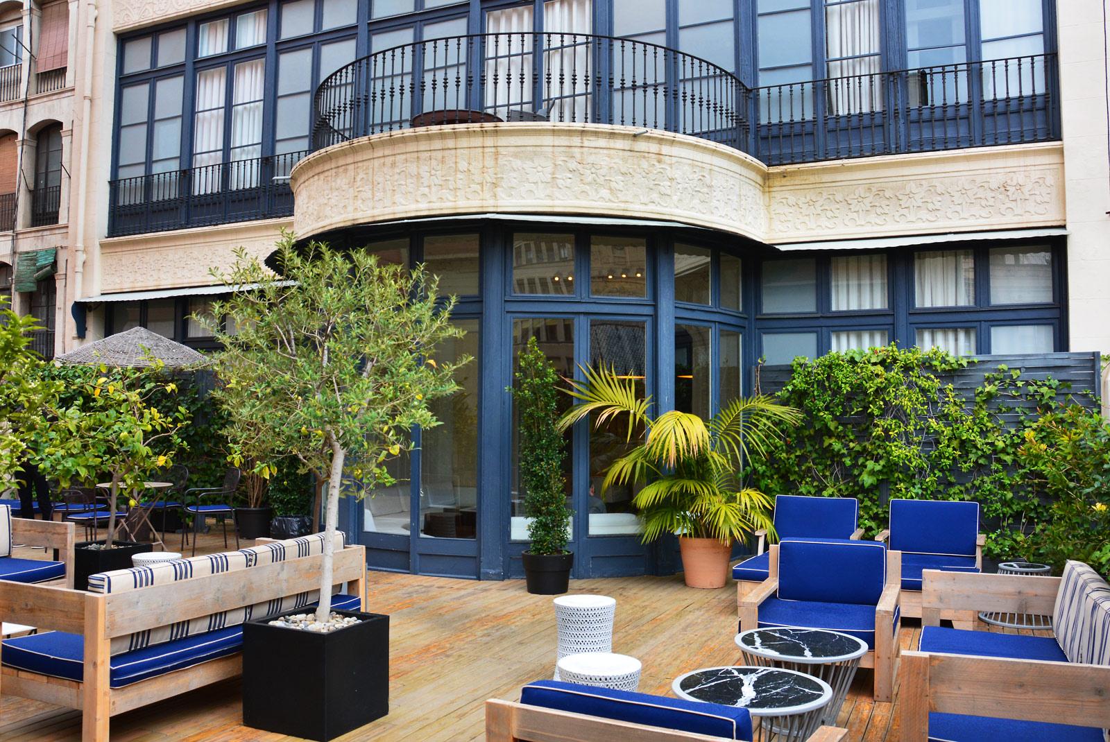 praktik rambla hotel egy igaz n autentikus sz ll s barcelon ban vil gutaz. Black Bedroom Furniture Sets. Home Design Ideas