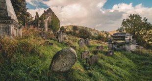 Dél-walesi kalandok romos templomokkal és egy csodás tengerparttal