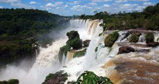 Iguazú-vízesés, amely országokat köt össze – útikalauz praktikus tanácsokkal
