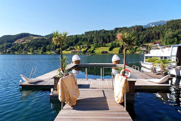 télen-nyáron használható a tó vizéből leválasztott fűtött medence a Kollers Hotelben