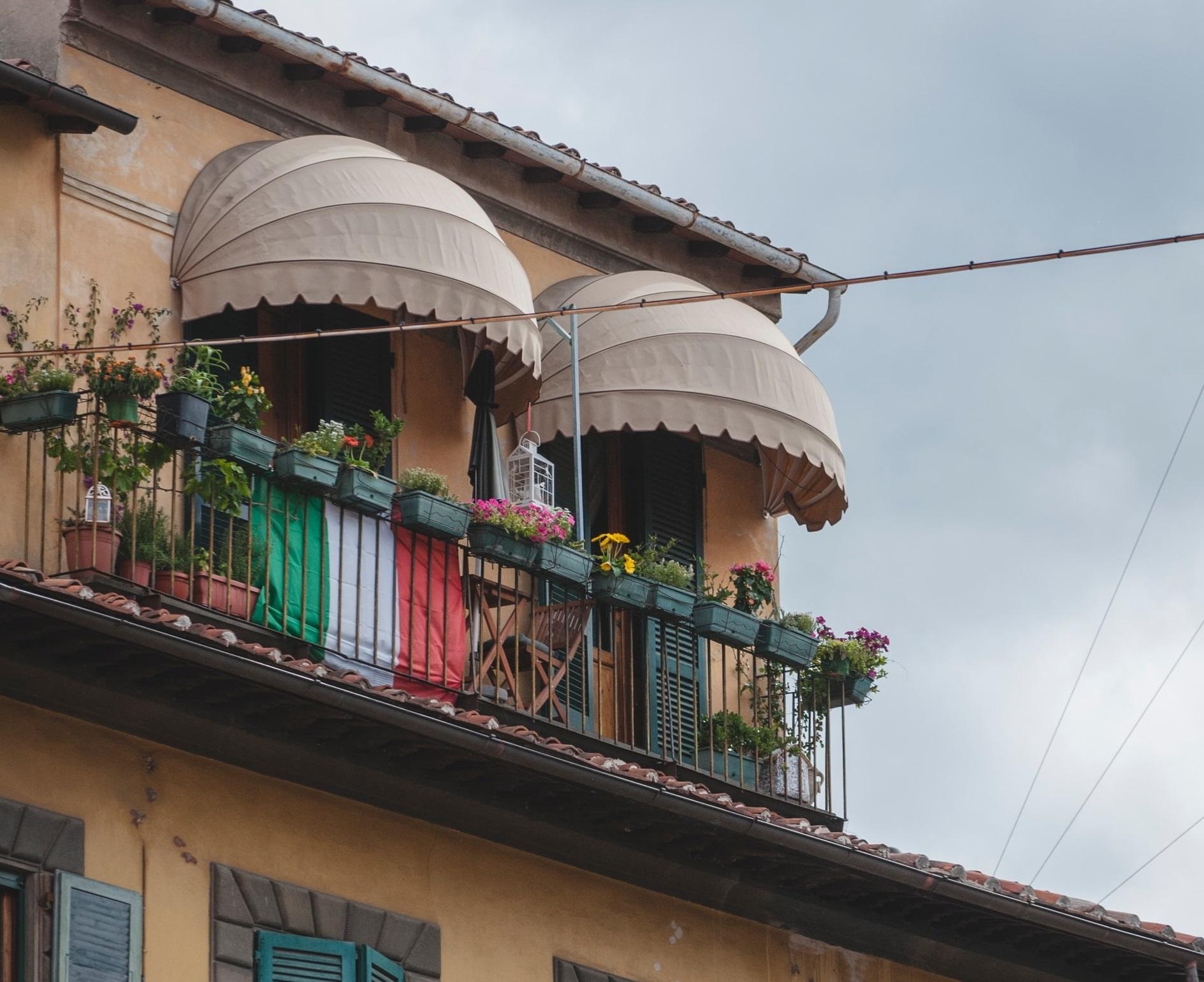 Olasz erkélykoncertek karantén idején